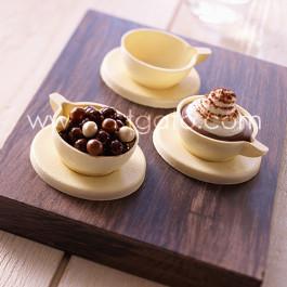 Réalisation en chocolat des Mini Tasses et Soucoupes