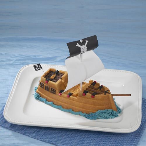 moule g teau nordicware bateau pirate artgato. Black Bedroom Furniture Sets. Home Design Ideas